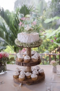Vintage Wedding Cake and Cupcakes