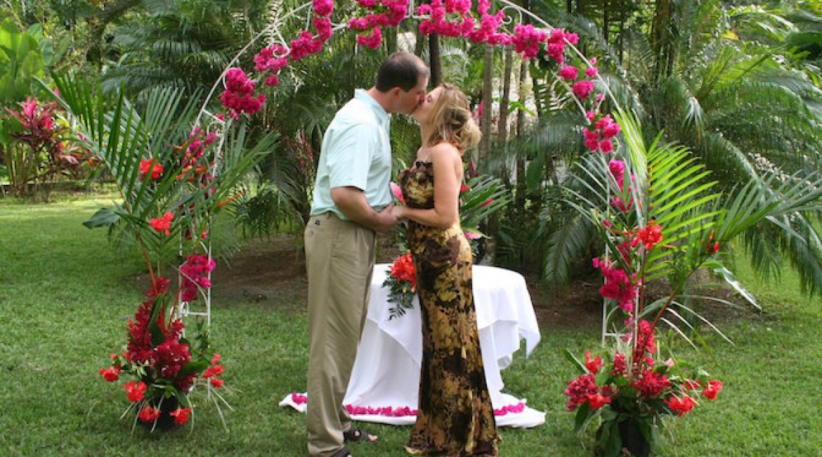Villas Rio Mar the best compound in Dominical for Weddings